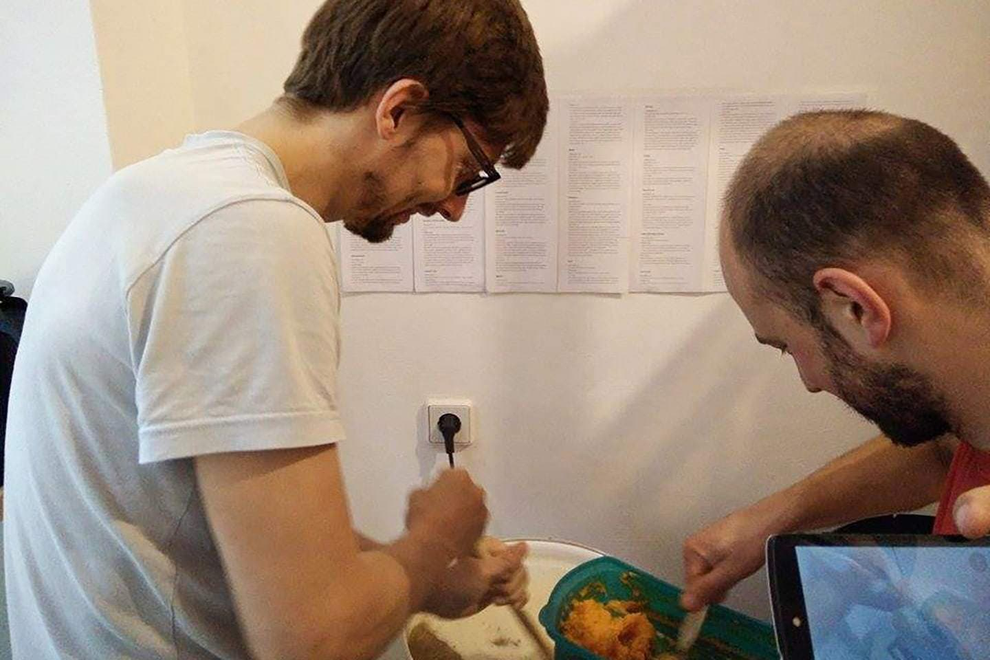 Georg and Lukasz of FUERST WIACEK mashing in during a homebrew session using the Glühweinkocher